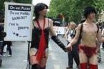 Проститутки Парижа вышли на улицы, требуя признания