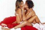 Топ-10 возбуждающих поцелуев
