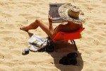 Ученые объяснили всплеск сексуальности мужчин на пляже