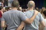 Гомосексуалисты выступают против гей-парада в Москве