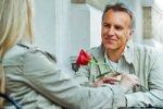 Признаки влюбленного мужчины в разном возрасте