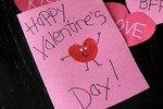 Что подарить парню и девушке на 14 февраля