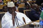 Гамбийский президент сравнил геев с паразитами