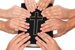 Пастор-гей потратил на своего любовника деньги монахинь