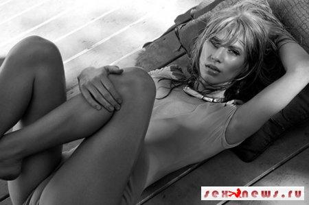 Обнаженная дочь Шона Пенна на обложке журнала