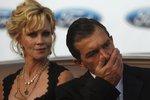 Антонио Бандерас расстался с Мелани Гриффит полюбовно, поделив 50 млн долла ...