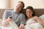 Телевизор в спальне сделает сексуальную жизнь более разнообразной