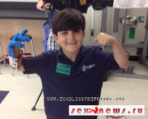 Америка: учителя сконструировали для 7-летнего мальчика 3D протез