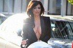 Ким Кардашян хочет быть сексуальной мамой