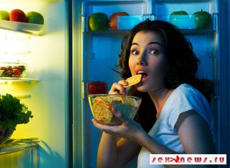 Медики доказали опасность приема пищи по ночам
