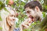 Яблоко является афродизиаком для женщин