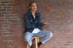 Дочь Брюса Уиллиса устроила стриптиз во время интервью
