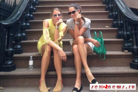 Знаменитая теннисистка порадовала прохожих сексуальными ножками