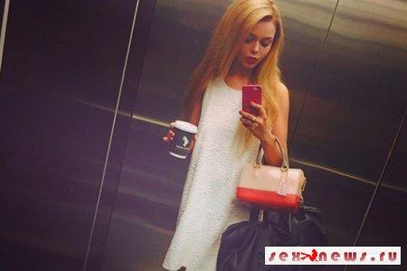 Жгучая брюнетка Алина Гросу стала сексапильной блондинкой
