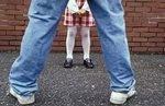 В Веселом Поселке врач вместе с любовницей развращали школьницу