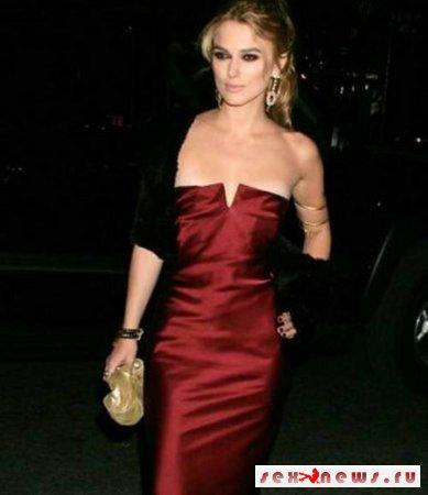Кира Найтли нацепила платье с подвохом (фоторепортаж)