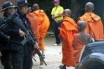 В Камбодже монах изнасиловал британку