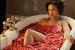 Ванная представляет много возможностей для интимных забав