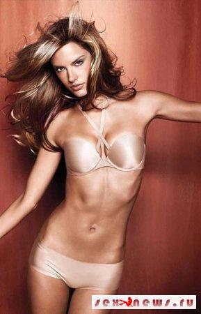 Алессандра Амбросио - одна из ангелов Victoria?s Secret