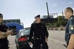 В Швеции три девушки похитили и раздели четвертую