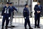 Японские полицейские переодеваются в женщин