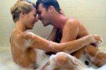 Любовные игры в ванной отлично освежают в жару