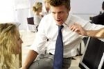Флирт на работе практикуют 80% мужчин и женщин