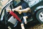 Подростки разбились, занимаясь сексом на ходу в машине