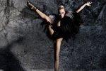 Балерина, которую уволили за секс фото, станцует голой