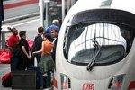 Немецкая онанистка развлекалась с вибратором в поезде