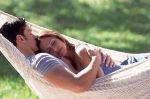 Объятия делают брак счастливым и… снижают боль