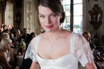 Мила Йовович выходит замуж в платье от Юдашкина
