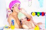Что делать с мужчиной в ванной
