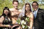 В Австрии сыграли «голую» свадьбу: на женихе была лишь шляпа