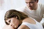 Боли внизу живота при месячных: причины и помощь