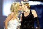 Рейтинг лучших лесбийских поцелуев звезд