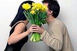 Нехватка женщин толкает мужчин на щедрость