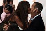 Застигнутые врасплох: самые забавные поцелуи знаменитостей
