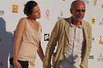 48-летний Александр Гордон женился на девушке почти втрое младше себя