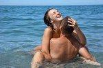 Идеальные позы для любителей секса в воде