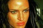 Двойник Анджелины Джоли напала на таксиста за отказ в сексе