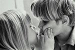 Волнение девушки перед первым поцелуем