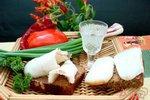 Для потенции едят сало и борщ