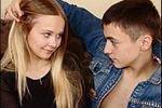 Почти половина россиянок до 18 лет имели сексуальный опыт