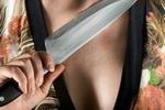 Нетрезвая якутянка не справилась с эмоциями и пырнула сожителя ножом в грудь