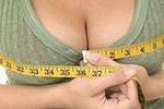 Размер женской груди постоянно увеличивается