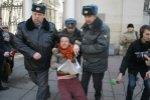 В Кыргызстане работники милиции преследуют геев и бисексуалов