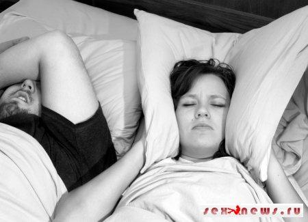 Для храпящих американцев разработали подушку с «интеллектом»