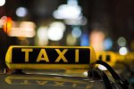 Жительница Курска обнажилась в такси, добиваясь от водителя секса