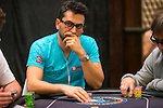 Многократный покерный чемпион едва не проиграл одной ставкой $500 000
